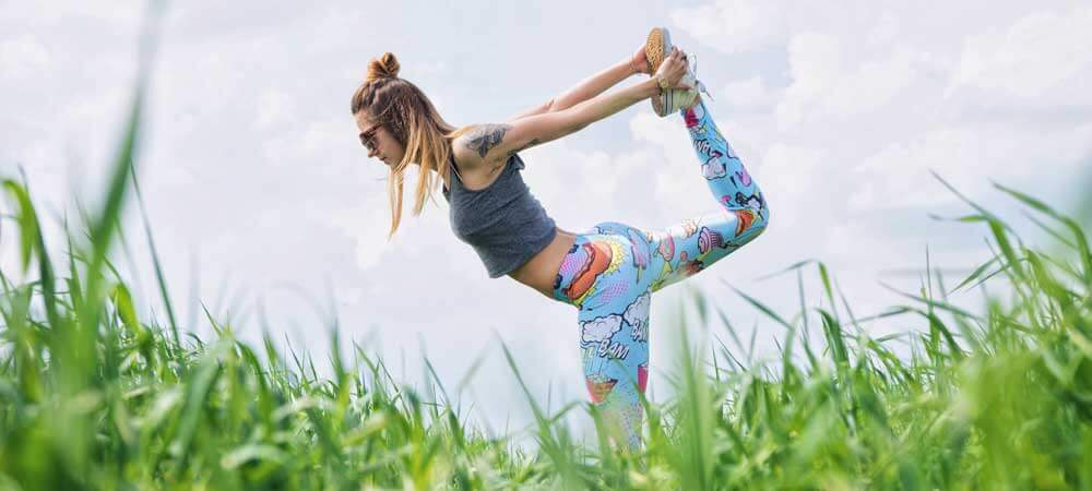 10 Best Online Workouts for Travel: Outdoor Yoga