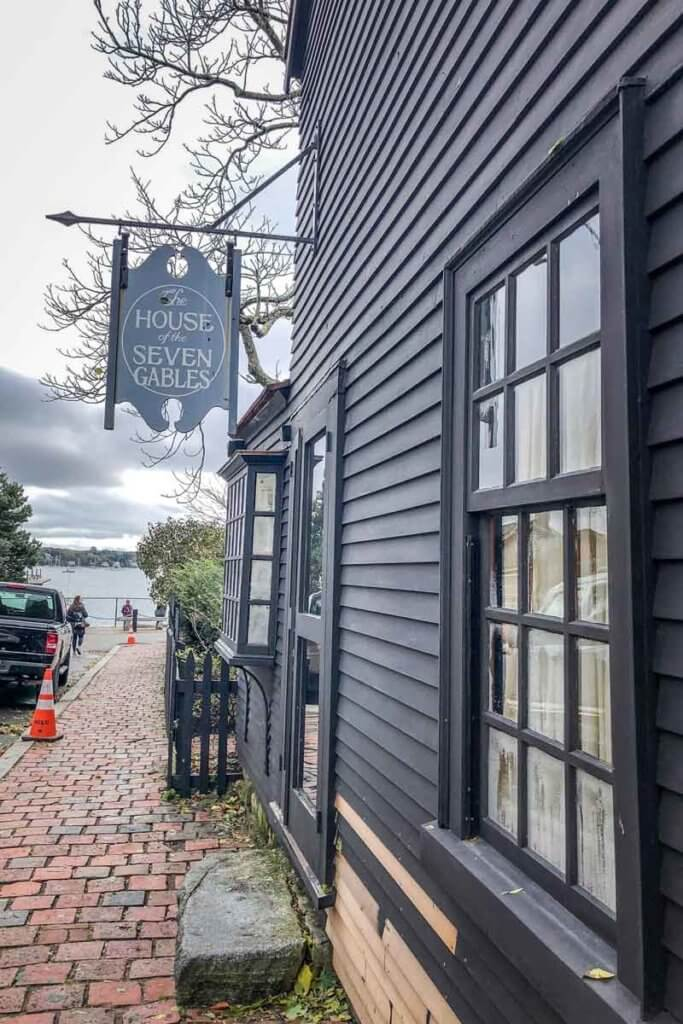 Photo of the outside of the House of the Seven Gables building.
